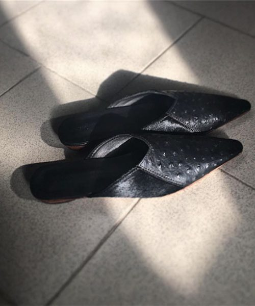 Pointy Toe Black Ostrich Print Mules